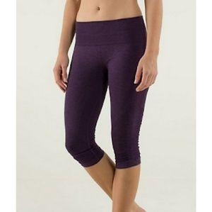 Lululemon cropped flow leggings